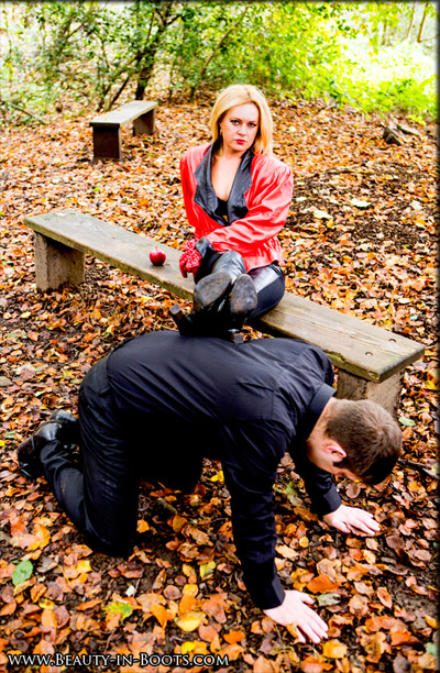 Foot rest for the Mistress in the woods