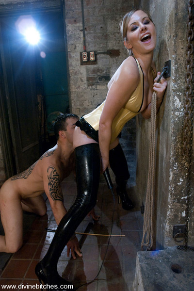 Doing all he could to pleasure Maitress Madeline