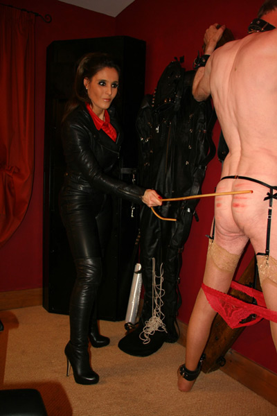 Testing out her new cane in the dungeon