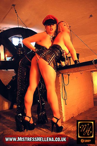 Erotic pleasure with her slave girl