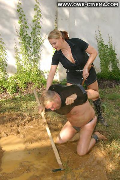 Mistress Marselle bullying her slave prisoner