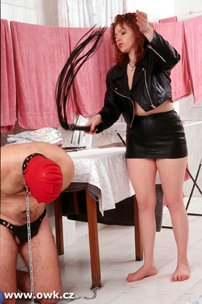 Lazy domestic slave flogged
