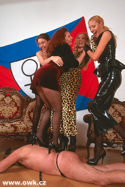 Dancing floor mat for the OWK Ladies