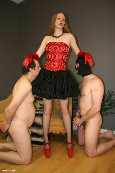 2 slaves to serve Princess Kali