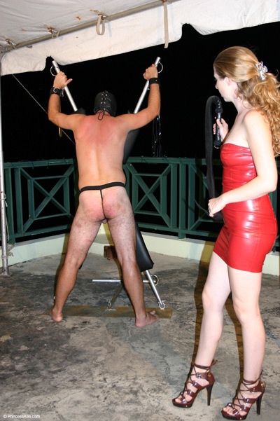 Good scenery while whipping her slave