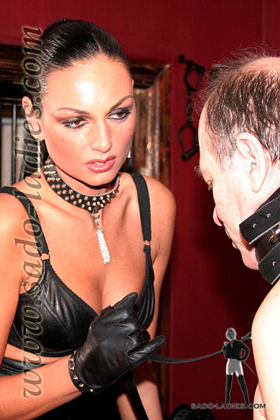 Living punching ball for Mistress Catherina