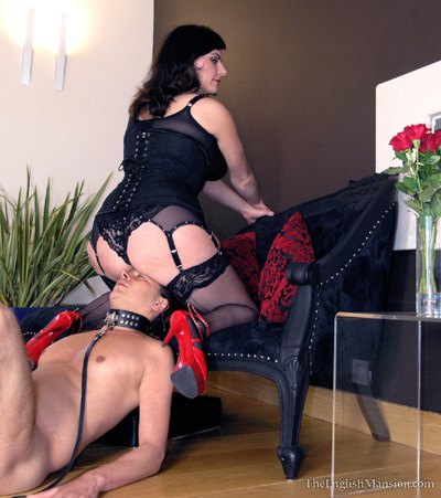 Attending to Mistress Xena