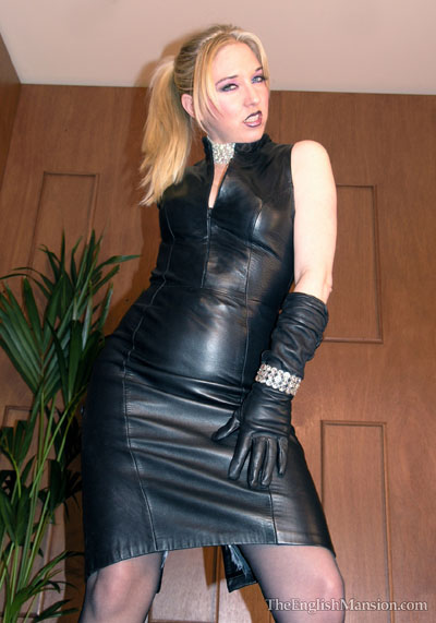 Mistress Sidonia poses in one of her favourite leather outfits