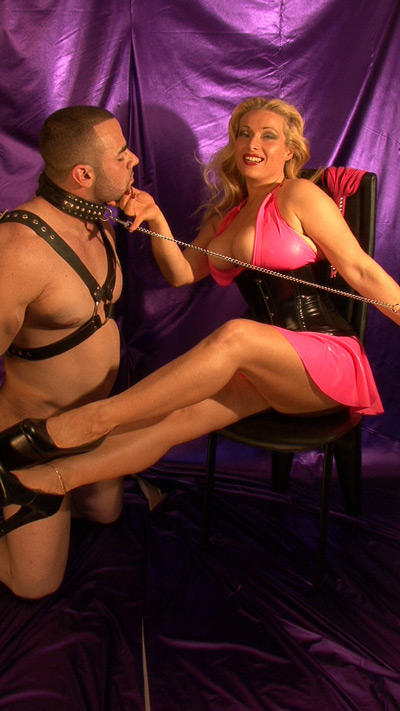 The leashed up slave is obsessed with Mistress Alexandra